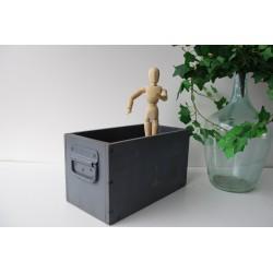 Wojskowa skrzynka szuflada